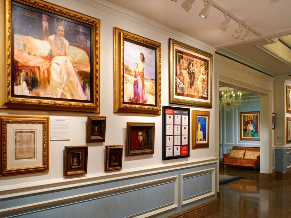 Enjoy Wine And Art At The Henry Autograph Collection With