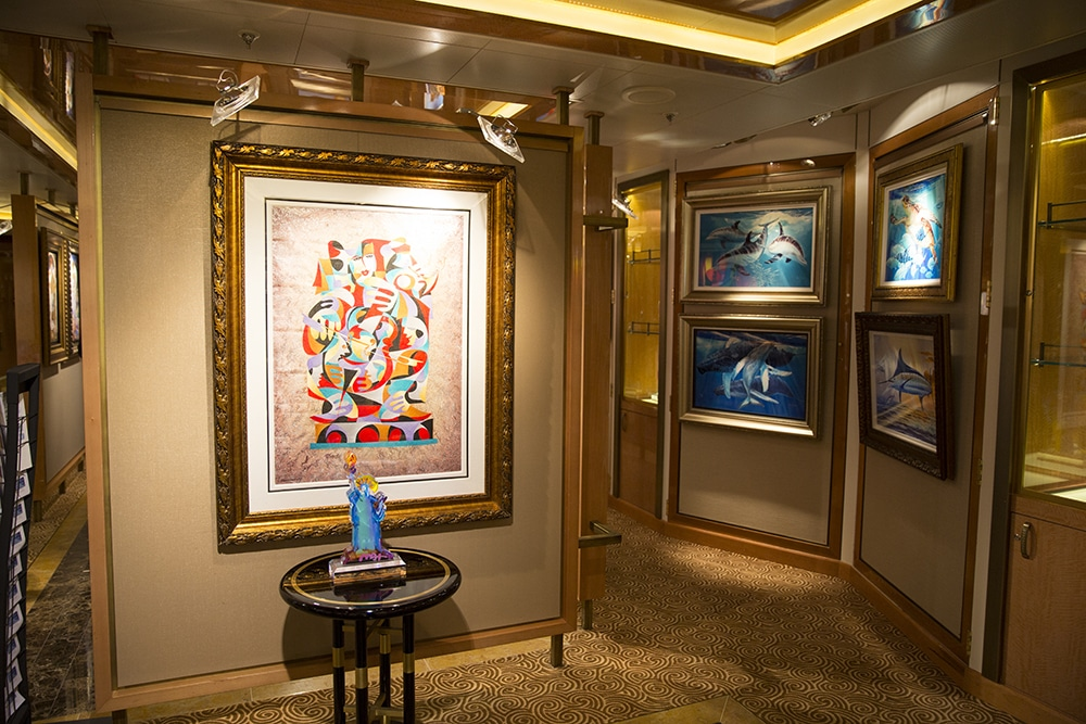 art gallery lighting tips. Lighting Should Highlight Artwork By Being Three Times Brighter Than The Room\u0027s Ambient Light. Art Gallery Tips