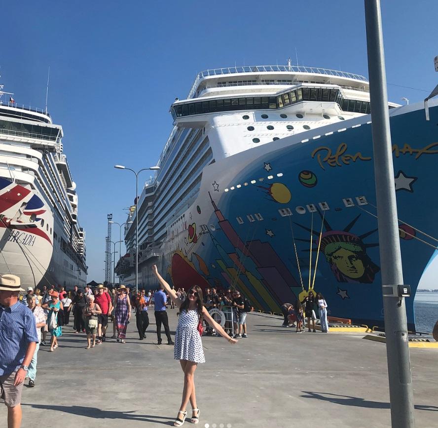 From @alenka_korsun: Norwegian Breakaway cruise ship art
