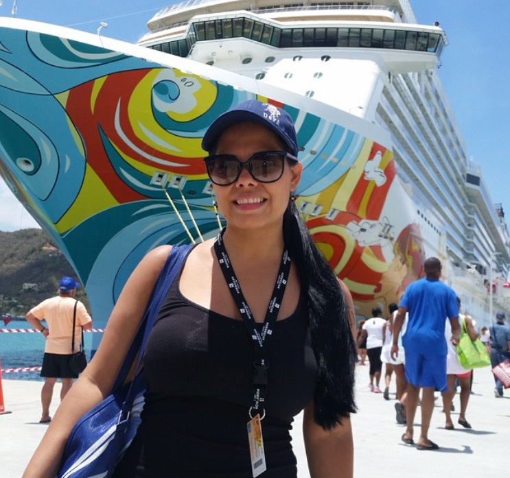 From @world.liz: Norwegian Getaway cruise ship art