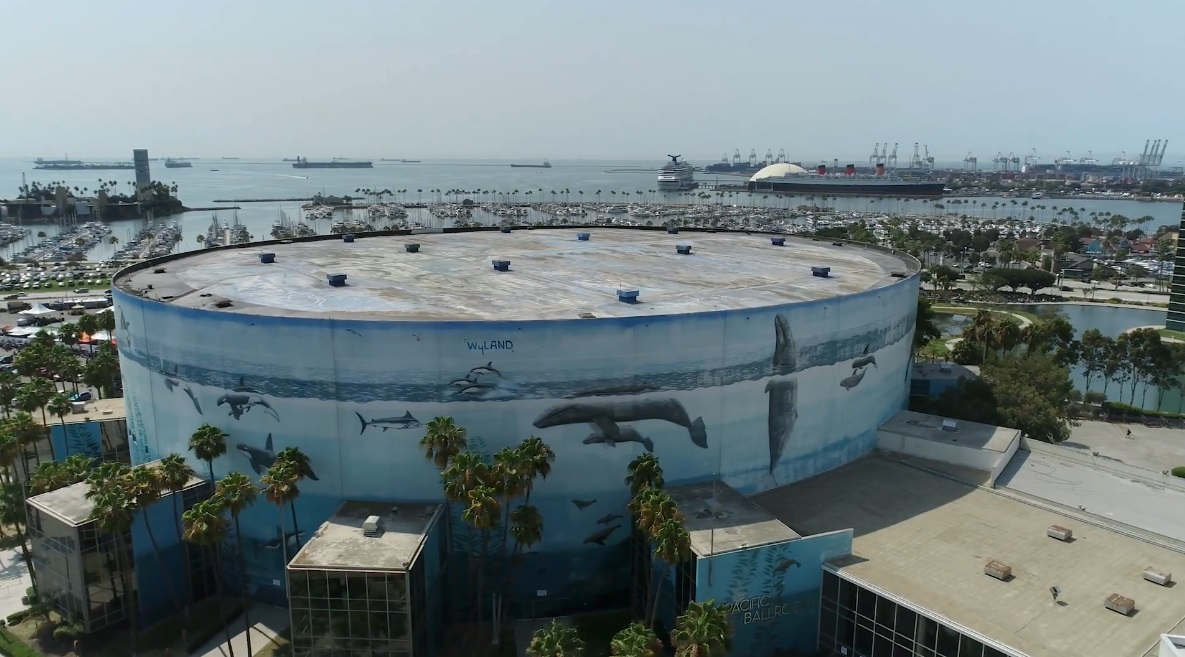 Another one of Wyland's trademark whale murals