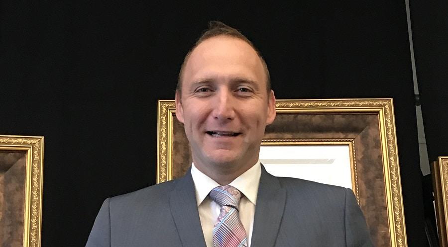 Auctioneer Chris Greyvenstein